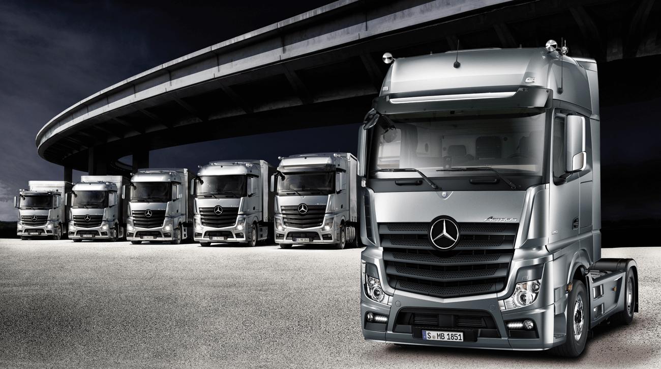 DesignApplause  Actros loader Daimler