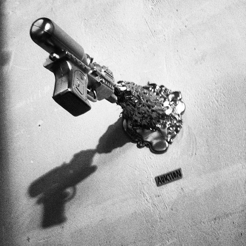 #Pistolenkunst bei der #FeuerUndFlamme #Kunstausstellung und #Auktion in der #Raststätte #Aachen Instagram