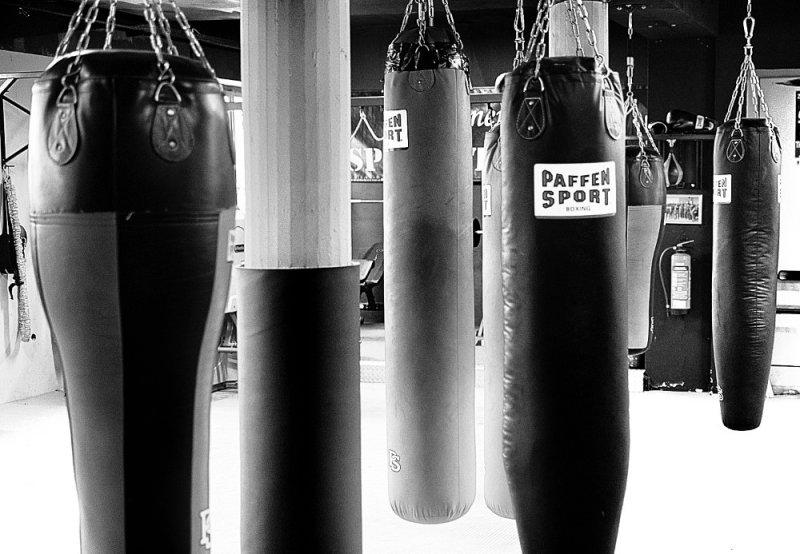 Boxsäcke in den Trainingsräumen des Aachener Engel Aktiv e.V.