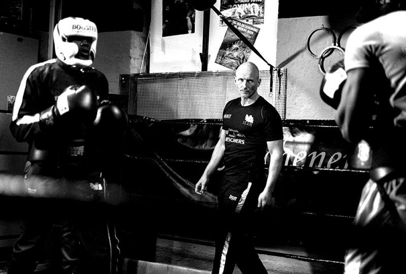 Martin Lücker im Boxring beim Boxtraining des Aachener Engel Aktiv e.V.
