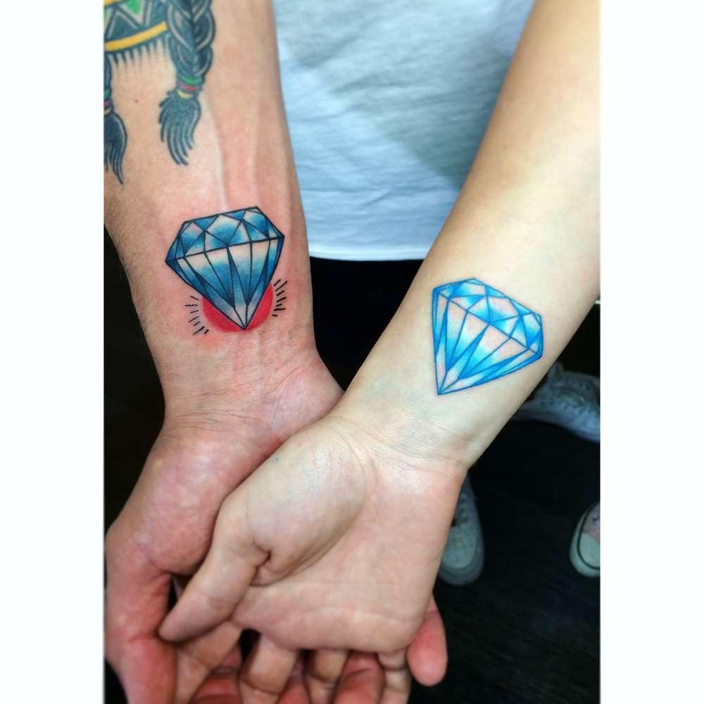 Tatuajes En Color O En Negro Artículos Objetivo Clm Noticias