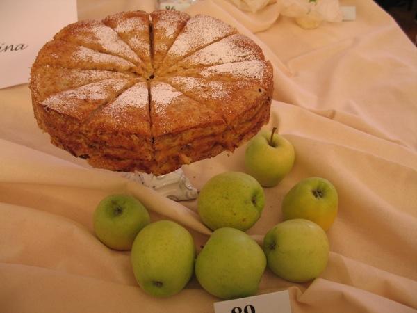 o reprezentativnog stola: integralna torta od jabuka (Snimila Božicaq Brkan / Acumen)