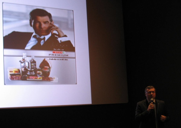 Helmut Fenzel predstavlja Piercea Brosnana kao zaštitno lice Spar Premium (Snimila Božica Brkan / Acumen)