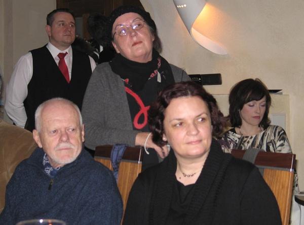 Autorica u varaždinskome Palatinu u društvu kolega, književnika Ludwiga Bauera i književnice i znanstvenice dr. sc. Lidija Dujić  (Snimila Božica Brkan / Acumen)