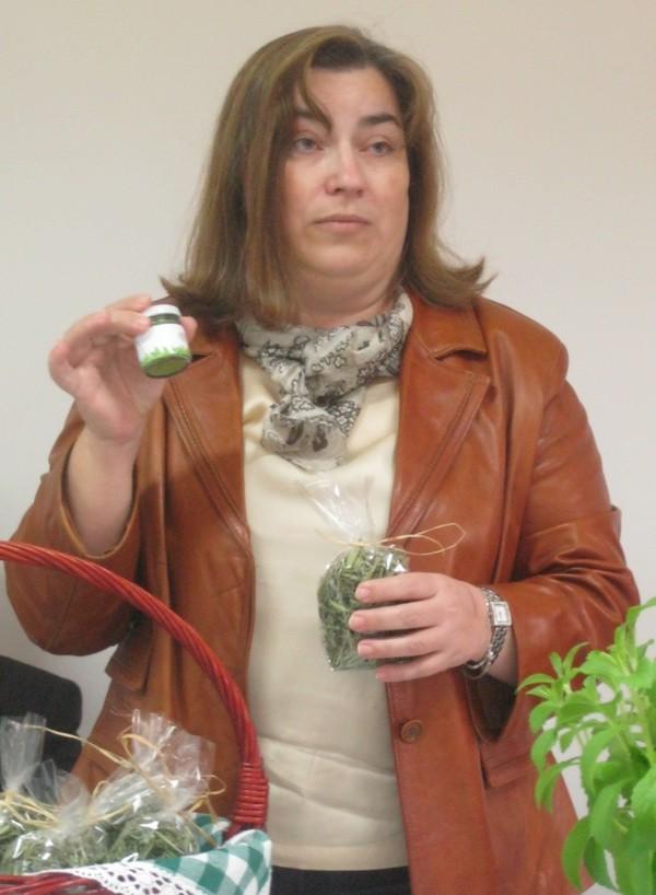 Rajka Miljković: njezina je obitelj u samo sedam mjesedi prošla put od sadnje do finalnoga proizvoda Zelena stevia (Snimio Miljenko Brezak / Acumen)