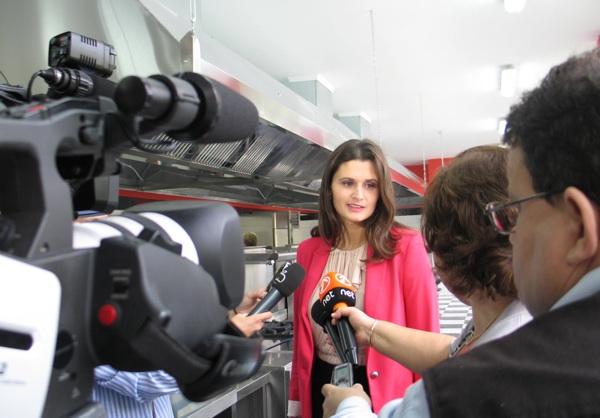 Ivana Peleš, direktorica Kul-Ina, pred novinarima na otvorenju  (Snimila Božica Brkan / Acumen)