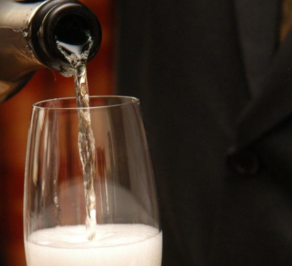 Nepretenciozno pjenušavo suho bijelo vino (Snimio Mišo Lišanin / Acumen)