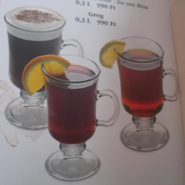 Grog je internacionalno piće - iz ponude vrućih napitaka u jednome budimpeštanskom lokalu (Snimila Božica Brkan / Acumen)