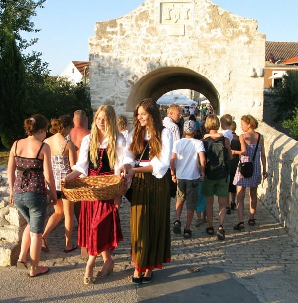 Europska destinacija izvrsnosti 2010. Nin dočekuje dobrodošlicom (Marija Dejanović, TZ Nin)