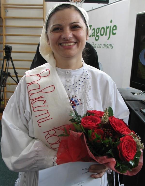 Vesna Hršak s lentom (Snimio Miljenko Brezak / Oblizeki)