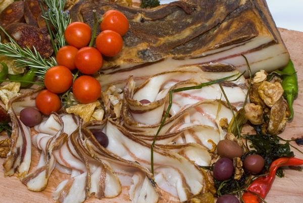 Elegantno složena Galovićena slanina u restoranu Gallo