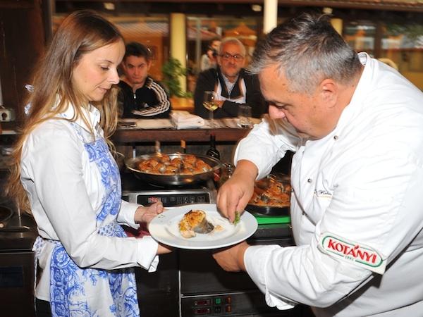 Chef Branko Ognjenović na radionici predstavlja pastvru na način šefa kuhinje (Snimio Romeo Ibrišević / TZ Samobor / Oblizeki)