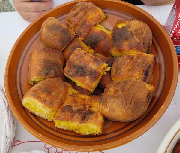 I na lipanjskim Stubičkim obliznekima mogli su se kušati i odlični štrukli, a ovi su upravo iz - Marije Bistrice (Snimio Miljenko Brezak / Oblizeki)