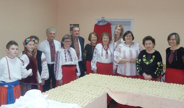 Pirogi pripremljeni za ovogodišnji bal u Lipiku: čime li su samo nadjeveni!?   (Snimio Ivan Semenjuk/ KPD Karpati)