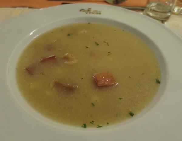 Vrlo ukusna domaća juha koja se odlično nosi i odličnim vinom  (Snimila Božica Brkan / Oblizeki)