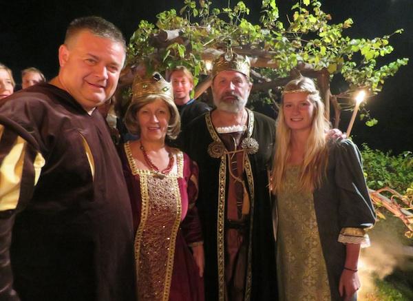 Njihova kraljevska visočanstva s Podravkinim gastropromotorom Draženom Đuriševićem i njegovom loijepom kćeri Majom (Snimila Božica Brkan / Oblizeki)