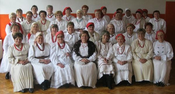"""Milenijska"" fotografija svih 35 sudionica 9. Babičinih kolača (Snimio Miljenko Brezak / Oblizeki)"