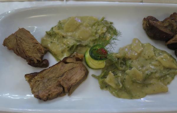 Teleće pečenje i domaći makaruni s divljim šparogma na način restorana Galija (Snimila Božica Brkan / Oblizeki)