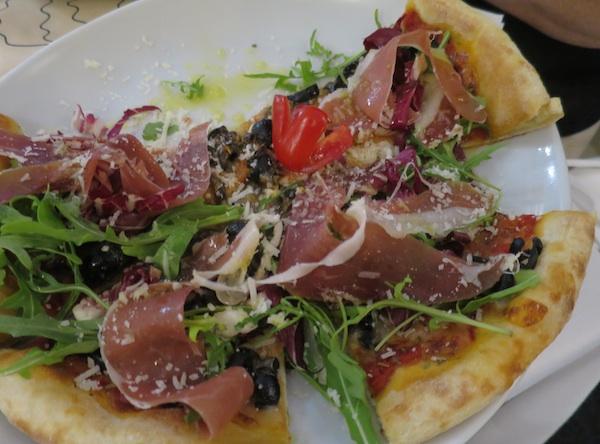 Pizza nesvakidašnjeg imena Vagabunda (Snimila Božica Brkan / Oblizeki)