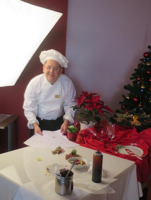 Mladi majstor u svom ambijentu priprema jela za snimanje (Fotografija Božica Brkan / Oblizeki)