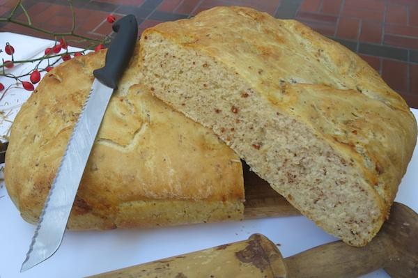 Kruh umiješen sa čvarcima (Fotografija Božica Brkan / Oblizeki)