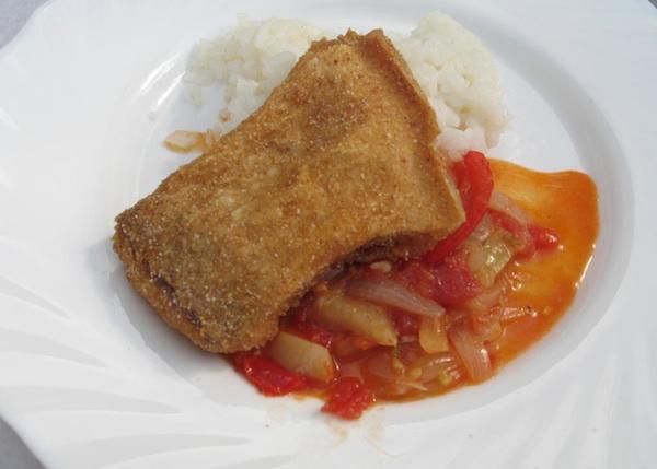 Poslužen s pohanom riječnom ribom i kuhanom rižom (Fotografija Božica Brkan / Oblizeki)