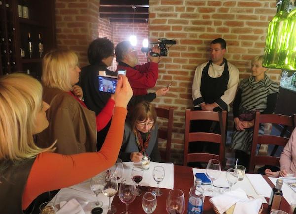 U fokusu mikrofona, fotoaparata, TV-kameta, tableta, pametnih telefona... (Fotografija Božica Brkan / Oblizeki)