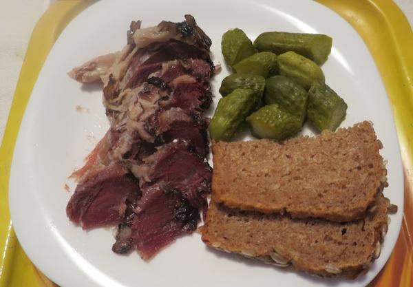 Za prigristi, s kruhom i liselim krastavčićima (Fotografija Božica Brkan / Oblizeki)