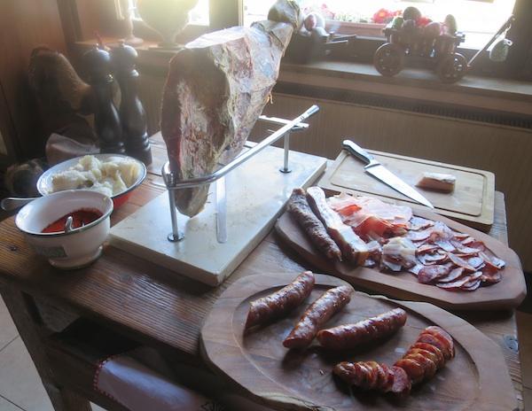 Žganjeri su i kobasice nadjenuli sami (Fotografija Božica Brkan / Oblizeki)