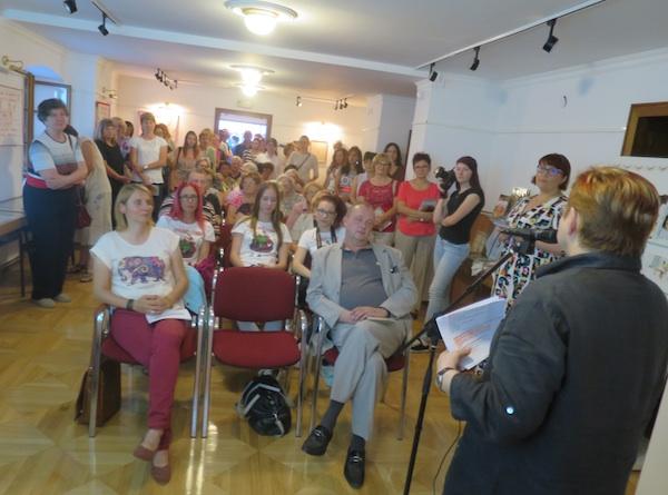 Publika kojoj se obraća Božica Brkan, autorica Oblizeka (Fotografija Miljenko Brezak / Oblizeki)