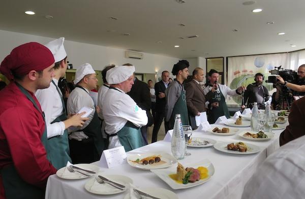 Kuhari u očekivanju sudačke odluke (Fotografija Miljenko brezak / Oblizeki)