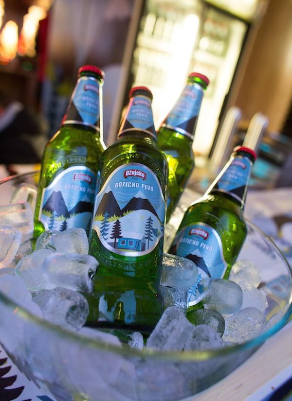 I ovogodišnje Božićno pivo ima posebno oslikanu etiketu (