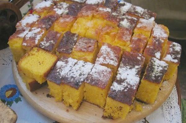 Običan zlijevani kolač, sastojcima brat muffinu i cupcakeu (Fotografija Oblizeki)