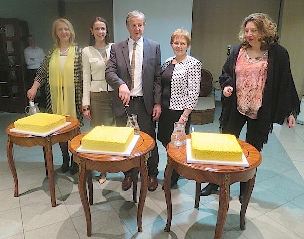 Svečano rezanje torte na večeri Njezino veličanstvo janjetina u restoranu Žganjer (Fotografija Miljenko Brezak / Oblizeki)