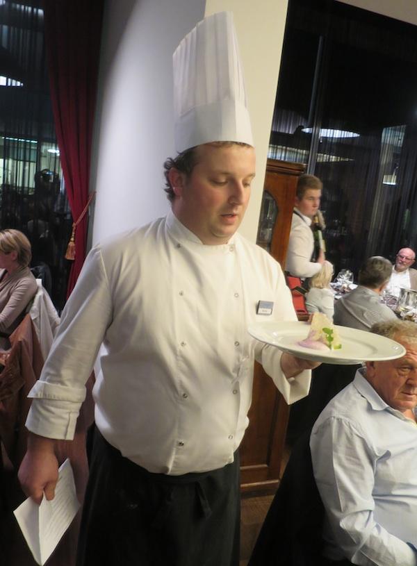S jedne od prezentcija vlastitih jela: chef Marko Futivić (Fotografija Miljenko Brezak / Oblizeki)