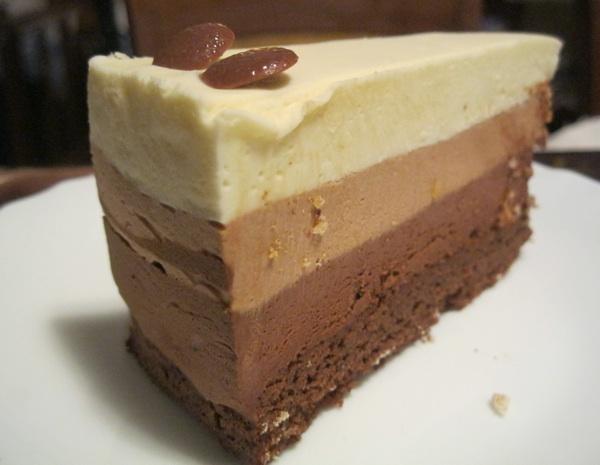 Torta gotovo cijela od kreme (Gotografija Božica Brkan / Oblizeki)