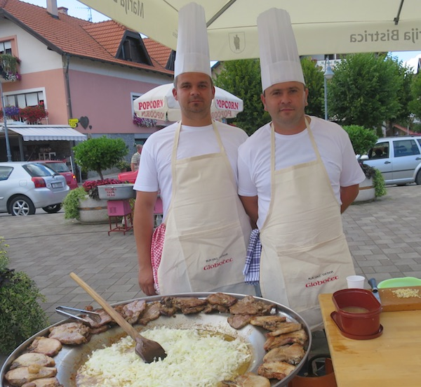 Samo dvojica, ali hrabrih kotlovinaša za MO Globočec Velimir Babić i Dario Semper (Fotografija Miljenko Brezak / Oblizeki)