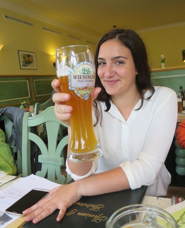 Mlada blogerica Aleksandra Ignatoski studirala je i u Pragu te iskustvo češke ponude i znanstveih spoznaja uspoređuje s hrvatskom, austrijskom... (Fotografija Božica Brkan / Oblizeki)