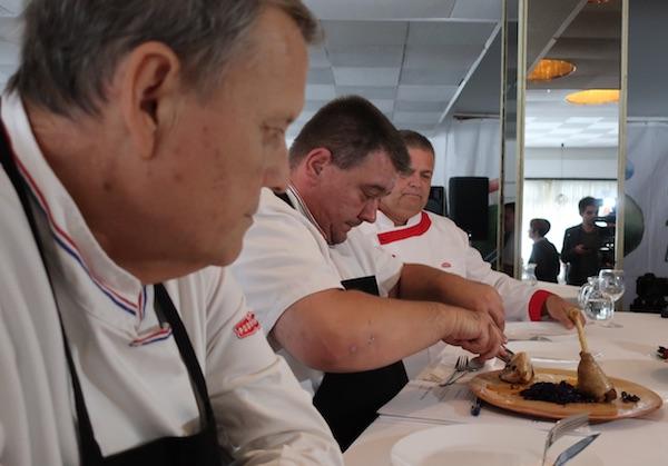 Chef Špiček muči se s purećim batkom (Fotografija Božica Brkan / Oblizeki)