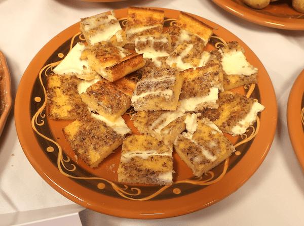 Kuruzna zlevka z orehima (Fotografija Božica Brkan / Oblizeki)