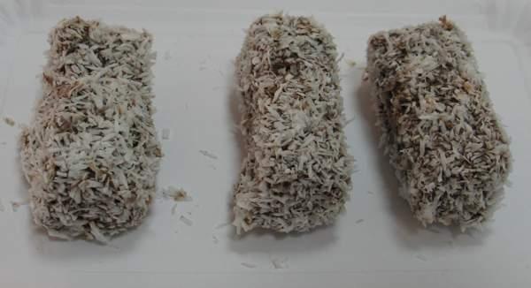 Kokos-kocke sa stevijom u ivanićgradskoj slastičarnici Janica (Fotografija Božica Brkan / Oblizeki)
