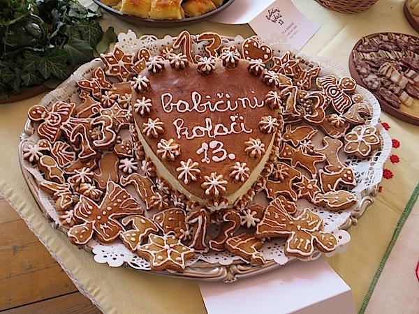 Slatki logo Babičinih kolača koji je ispekla prošlogodiđnja pobjednica za kolače i ove za odijevanje Mirica Sinković (Fotografija Božica Brkan / Oblizeki)
