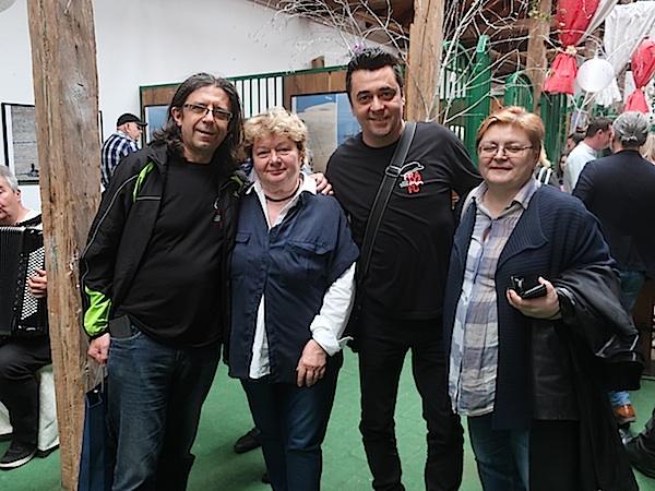 Urednica Oblizeka Božica Brkan u društvu odličnih organizatora Fra Ma Fu u gostima: Goran Gazdek, Ksenija Plantak i Ivan Žada (Fotografija Miljenko Brezak / Oblizeki)