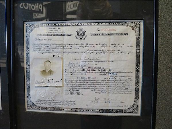 Putovnica Ane Suknajić (Presnimljeno u Imigrantskom muzeju)