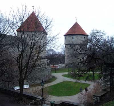 Dos torreones más de la muralla