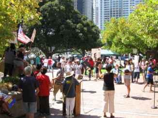 rally9-20-crowd-sm