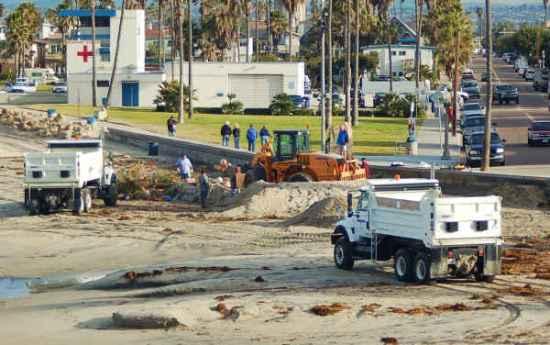 OB Christmas tree down 12-28-09-sm
