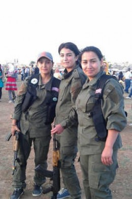 Kobani Women fighters2
