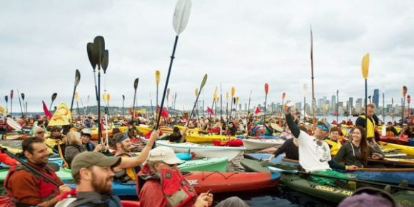 helvarg-pic-militant-kayakers