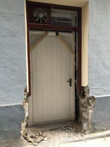 demoler la parte baja del antiguo ventanal